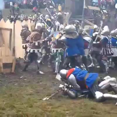 mordhau. .. These France riots are getting brutal